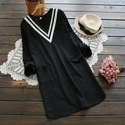 YOYO - Long-Sleeve V-Neck Dress