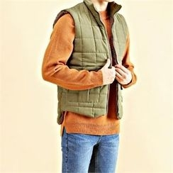 THE COVER - Fleece-Lined Zip-Up Vest