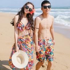 Beach Date - Set: Printed Bikini + Scarf / Beach Shorts