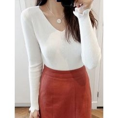 maybe-baby - V-Neck Ribbed Knit Top