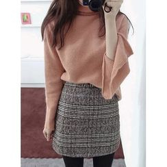 maybe-baby - Turtle-Neck Slit-Side Wool Blend Knit Top