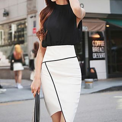 Dimanche - Set: Sleeveless Chiffon Blouse + Asymmetrical Hem Pencil Skirt