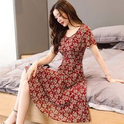 Elinor - 印花短袖雪纺A字连衣裙