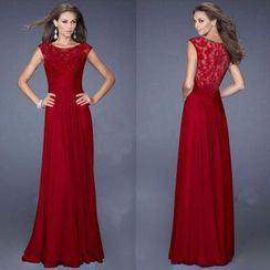Hanni - Lace Evening Gown