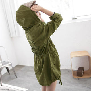 Tokyo Fashion - Star-Studded Drawstring Hooded Printed Jacket