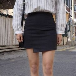 QNIGIRLS - Asymmetric-Hem Mini Skirt