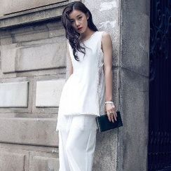 Romantica - Set: Sleeveless Paneled Top + Wide-Leg Cropped Pants