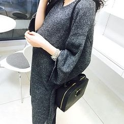 MARSHMALLOW - Maternity V-Neck Long Top