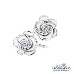Leo Diamond - La Memoire en Rose Collection - 18K White Gold Diamond Solitaire in Rose Earrings
