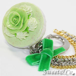 Sweet & Co. - Sweet Glitter Green Cupcake XL Bag Charm