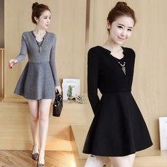 lilygirl - Fleece-Lined Split-Neck Long-Sleeve Knit Dress