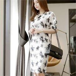 CHICLINE - Short-Sleeve Floral-Patterned Zip-Back Sheath Dress