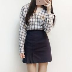 Bloombloom - Plaid V-Neck Blouse