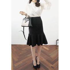 OZNARA - Frill-Hem Wool Blend Midi Skirt