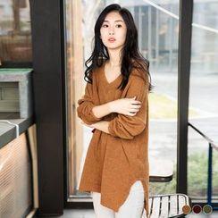 OrangeBear - V-Neck Dropped Sleeve Sweater