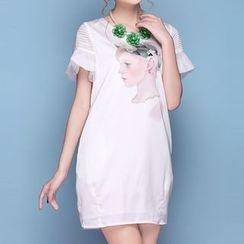 草莓花朵 - 印花缀饰荷叶袖连衣裙