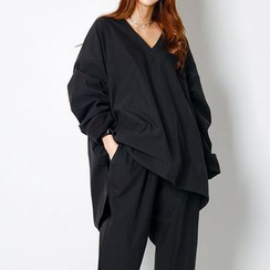 FASHION DIVA - V-Neck Oversized Top