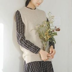 JUSTONE - Crew-Neck Sleeveless Wool Knit Top