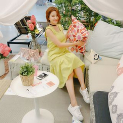 WITH IPUN - Frilled Sleeveless Dress