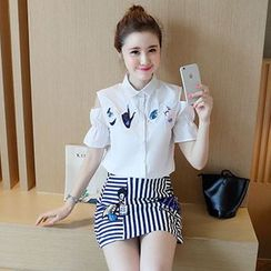 Ashlee - 套装: 贴布绣镂空肩衬衫 + 条纹A字裙