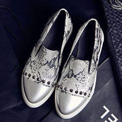 TULASI - 鉚釘輕便鞋