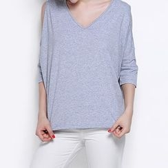 Obel - 3/4-Sleeve Shoulder Cut Out T-Shirt