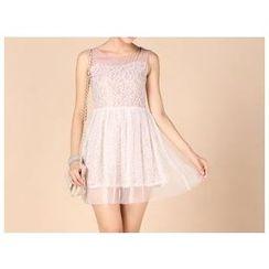草莓花朵 - 无袖蕾丝拼接连衣裙连饰带