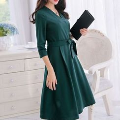 Q.C.T - V-neck Knit Dress