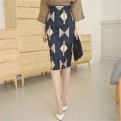 ode' - Slit-Back Patterned Pencil Skirt