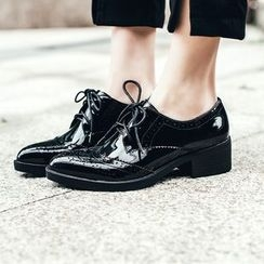 JY Shoes - Brogue Pointed Chunky Heel Oxfords
