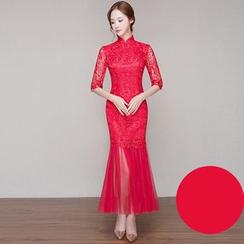 Royal Style - Elbow Sleeve Lace Cheongsam