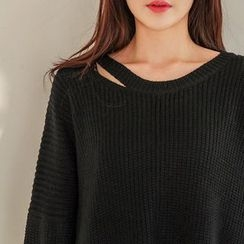 Seoul Fashion - Choker-Neck Asymmetric-Hem Sweater