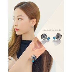 soo n soo - Rhinestone Stud Earrings