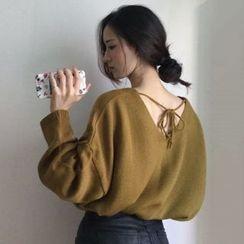 Dute - V-Neck Tie Back Sweater