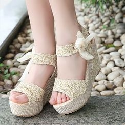 One100 - Lace Wedge Sandals