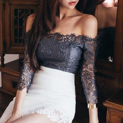 Jolly Club - Off-Shoulder Lace Top