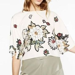 Chicsense - Elbow-Sleeve Printed Cropped Top