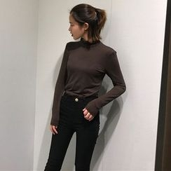 RASA - Mock-neck Long-Sleeve T-shirt