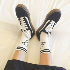 YUKISHU - 条纹图案袜子 / 条纹字母袜子
