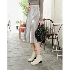 UPTOWNHOLIC - Zip-Detail Pleated Midi Skirt