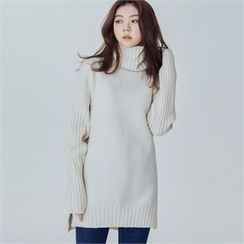 MAGJAY - Wool Blend Turtle-Neck Long Knit Top