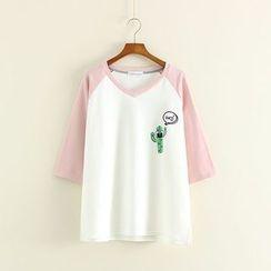 Mushi - Cactus Print 3/4-Sleeve V-Neck T-Shirt