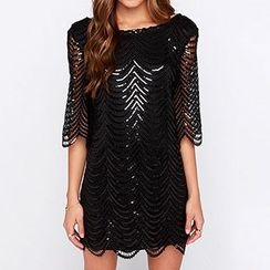 Richcoco - Perforated Open Back Elbow Sleeve Dress