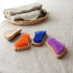 Timbera - Foot Shaped Clothes Cleaning Brush