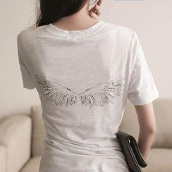 Munai - Short-Sleeve Rhinestone T-Shirt