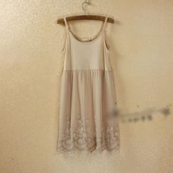 Lacyland - 蕾丝下摆吊带裙