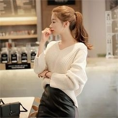 CHICLINE - V-Neck Knit Sweater