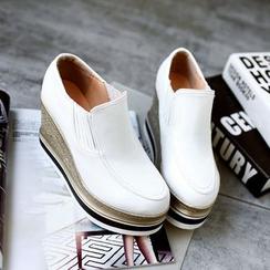 锦洋鞋业 - 厚底船跟乐福鞋