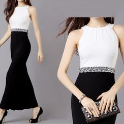 AIXI - Embellished Sleeveless Color Block Maxi Dress