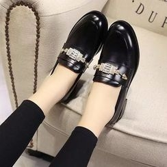 Charming Kicks - 扣带乐福鞋